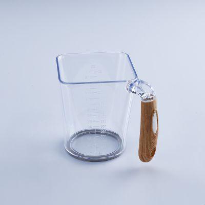 Feronia Measuring Cup